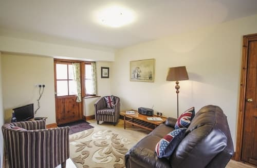 Last Minute Cottages - Inviting Colchester Cottage S18080