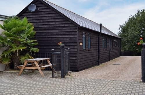 Big Cottages - Adorable Colchester Cottage S18119