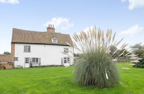 Big Cottages - Tasteful Colchester Cottage S42481