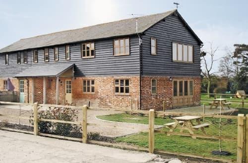 Big Cottages - Tasteful Maldon Cottage S18126