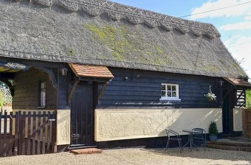 Last Minute Cottages - Superb Maldon Cottage S18139