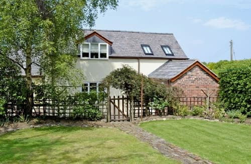 Last Minute Cottages - Wonderful Chester Cottage S18152