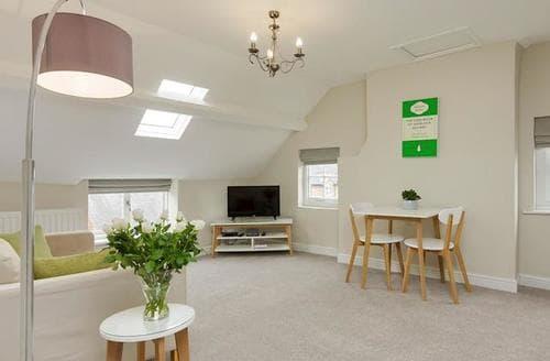 Last Minute Cottages - Captivating Nantwich Apartment S80415