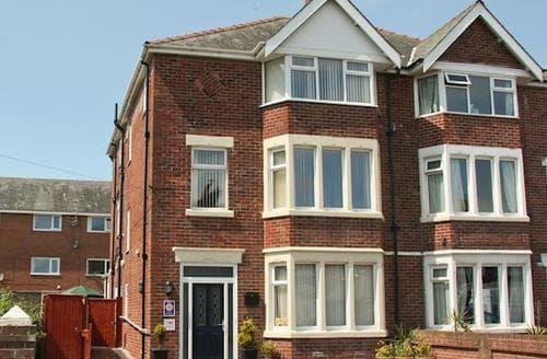 Big Cottages - Lovely Blackpool Cottage S18198