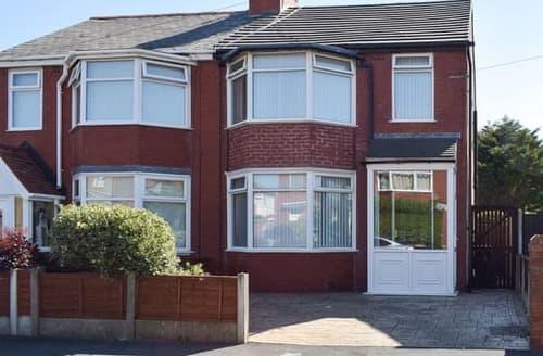 Big Cottages - Lovely Blackpool Cottage S105453