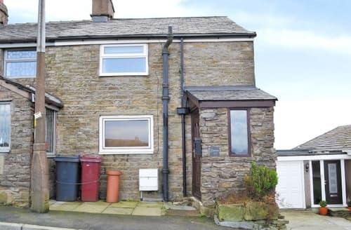 Last Minute Cottages - Wonderful Clitheroe Cottage S18240
