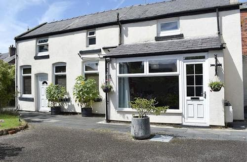 Last Minute Cottages - Inviting Southport Cottage S18255