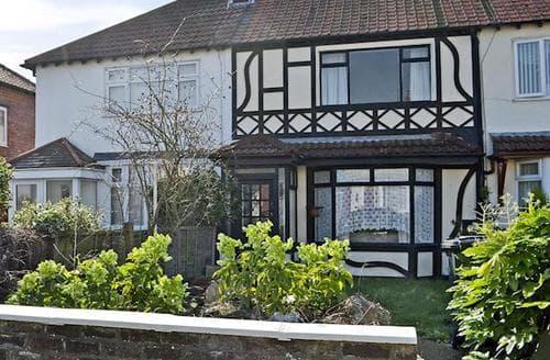 Last Minute Cottages - Adorable Southport Cottage S25764