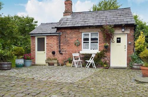 Last Minute Cottages - Charming Southport Cottage S74052