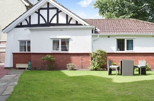 Last Minute Cottages - Attractive Southport Cottage S85282