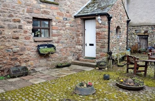 Last Minute Cottages - Cosy Appleby Cottage S18303