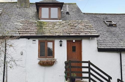 Last Minute Cottages - Tasteful Broughton In Furness Apartment S93881
