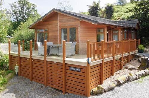 Last Minute Cottages - Luxury Lowick Lodge S73931