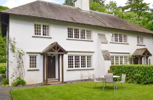 Last Minute Cottages - Inviting Hawkshead, Near And Far Sawrey Cottage S18505