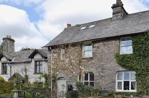 Big Cottages - Quaint Kendal And Lakes Gateway Cottage S49919