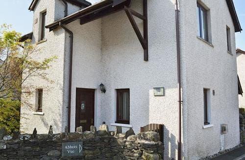 Last Minute Cottages - Beautiful Lowick Cottage S50187