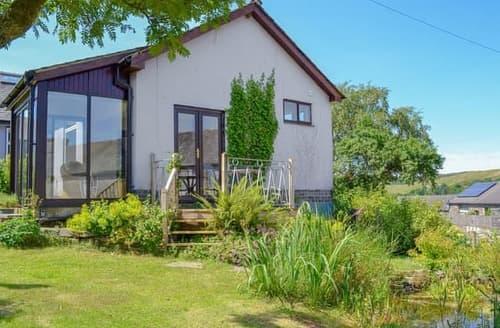 Last Minute Cottages - Captivating Lowick Apartment S122026