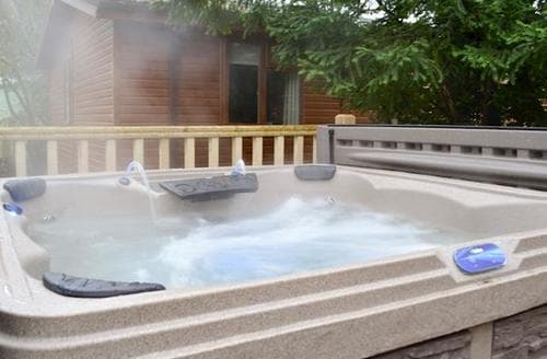 Last Minute Cottages - Lovely Windermere And Troutbeck Bridge Lodge S92953