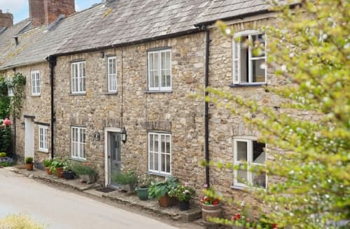 Last Minute Cottages - Cosy Axminster Cottage S42106