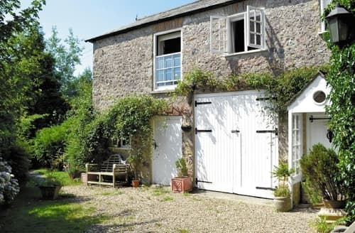 Last Minute Cottages - Cosy Seaton Cottage S18811