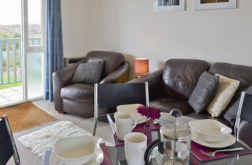 Last Minute Cottages - Tasteful Bideford Apartment S18926