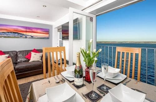 Last Minute Cottages - Beautiful Bideford Apartment S73934