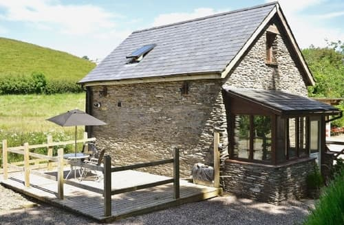 Last Minute Cottages - Luxury Combe Martin Cottage S19079