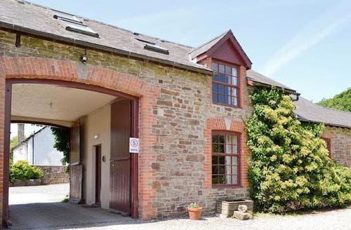 Last Minute Cottages - Quaint Torrington Lodge S83002