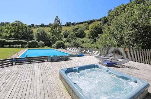 Last Minute Cottages - Wonderful Totnes Lodge S19490