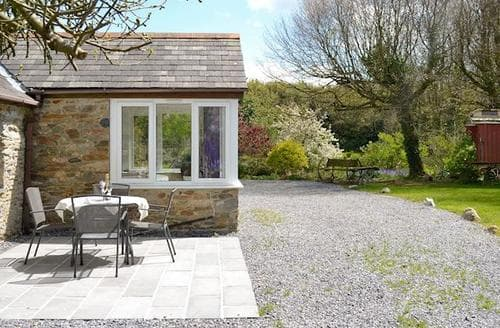 Dog Friendly Cottages - Charming South Brent Cottage S45998