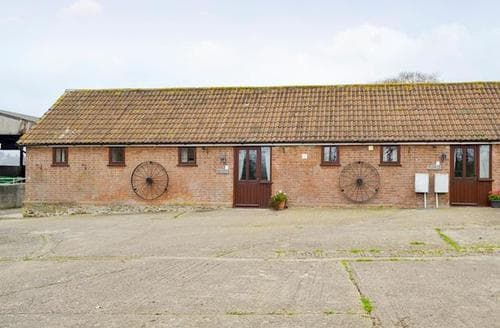 Last Minute Cottages - Captivating Bettiscombe Cottage S19633
