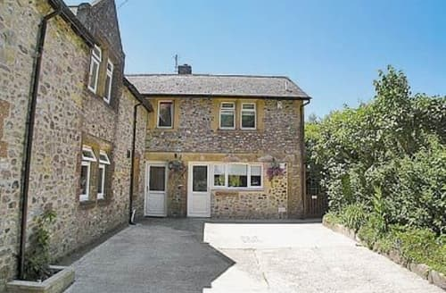Last Minute Cottages - Charming Bettiscombe Cottage S19648