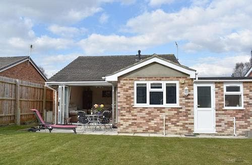Last Minute Cottages - Beautiful Bournemouth Cottage S44699