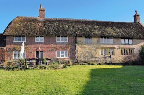 Last Minute Cottages - Charming Chideock Cottage S44163