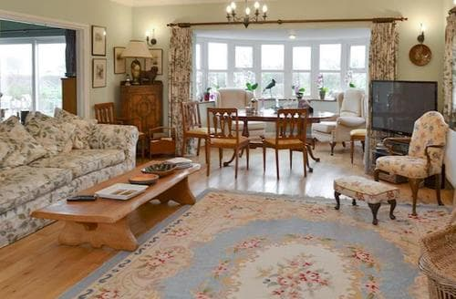 Last Minute Cottages - Beautiful Weymouth Apartment S89454