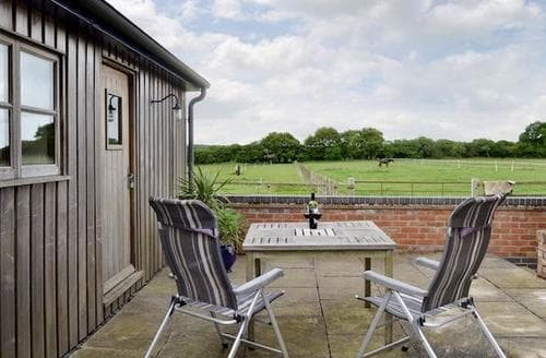 Last Minute Cottages - Tasteful Wimborne Cottage S19979