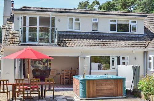 Big Cottages - Splendid Ringwood Lodge S81635