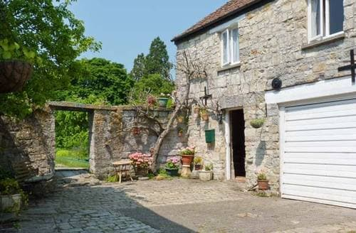 Last Minute Cottages - The Limes Coach House