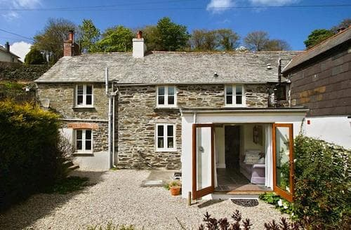 Last Minute Cottages - Cosy Boscastle Cottage S20409