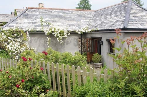 Last Minute Cottages - Cosy Bude Cottage S20443