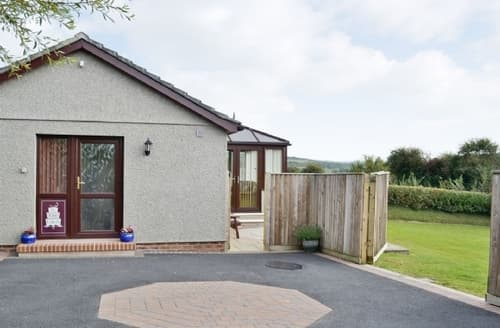 Last Minute Cottages - Cosy Bude Cottage S20486