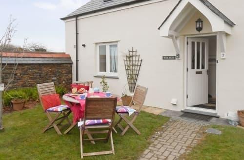 Dog Friendly Cottages - Quaint Padstow Cottage S20647