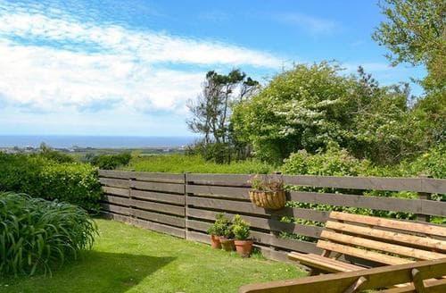 Last Minute Cottages - Beautiful Tintagel Cottage S20827