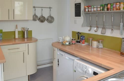 Last Minute Cottages - Charming Falmouth Apartment S98468