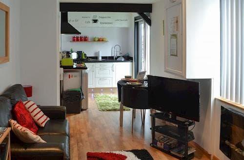 Last Minute Cottages - Quaint Looe Apartment S21028