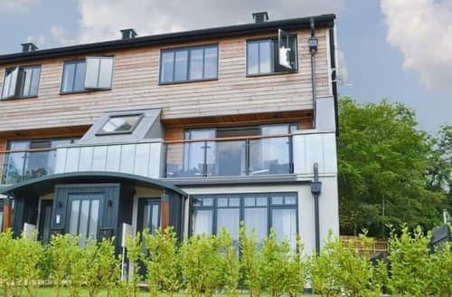 Last Minute Cottages - Cosy Lostwithiel Apartment S105239