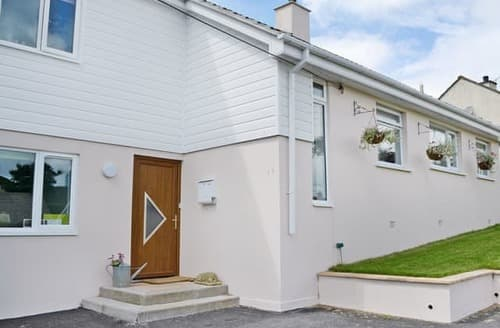 Last Minute Cottages - Inviting St Austell Apartment S21153