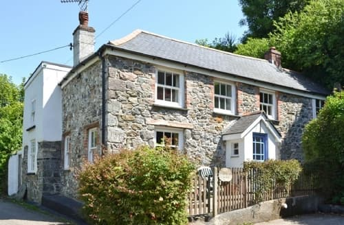 Last Minute Cottages - Captivating Helston And The Lizard Peninsula Cottage S25024