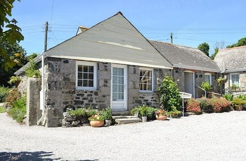 Last Minute Cottages - Attractive Helston And The Lizard Peninsula Cottage S21218
