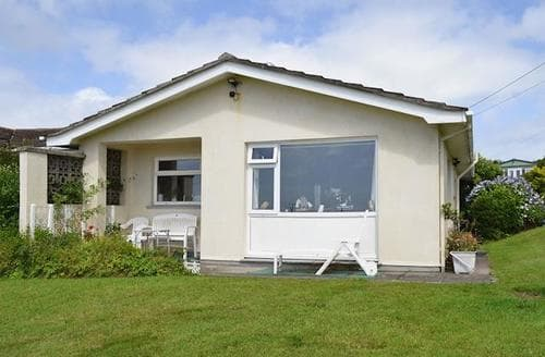 Last Minute Cottages - Wonderful Helston And The Lizard Peninsula Cottage S69835
